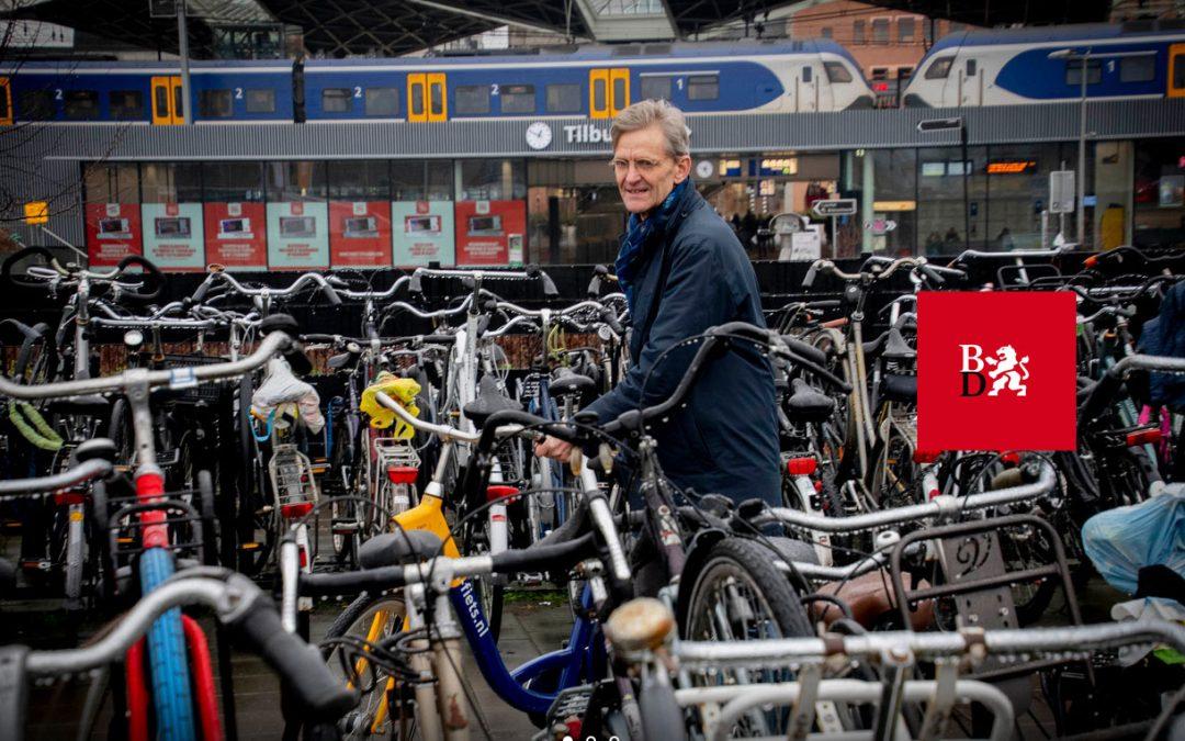 Een lelijke kooi met duizenden fietsen op het Tilburgse perron, NS-man Kees Miedema voorkwam het