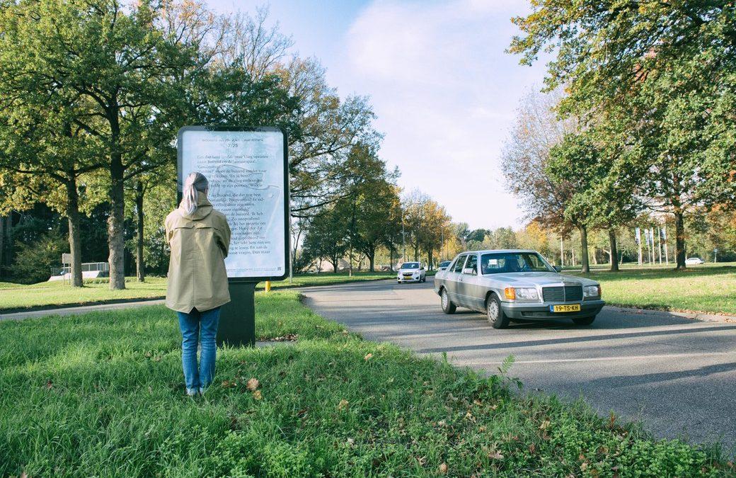 Een verhaal lezen op 26 posters in de stad