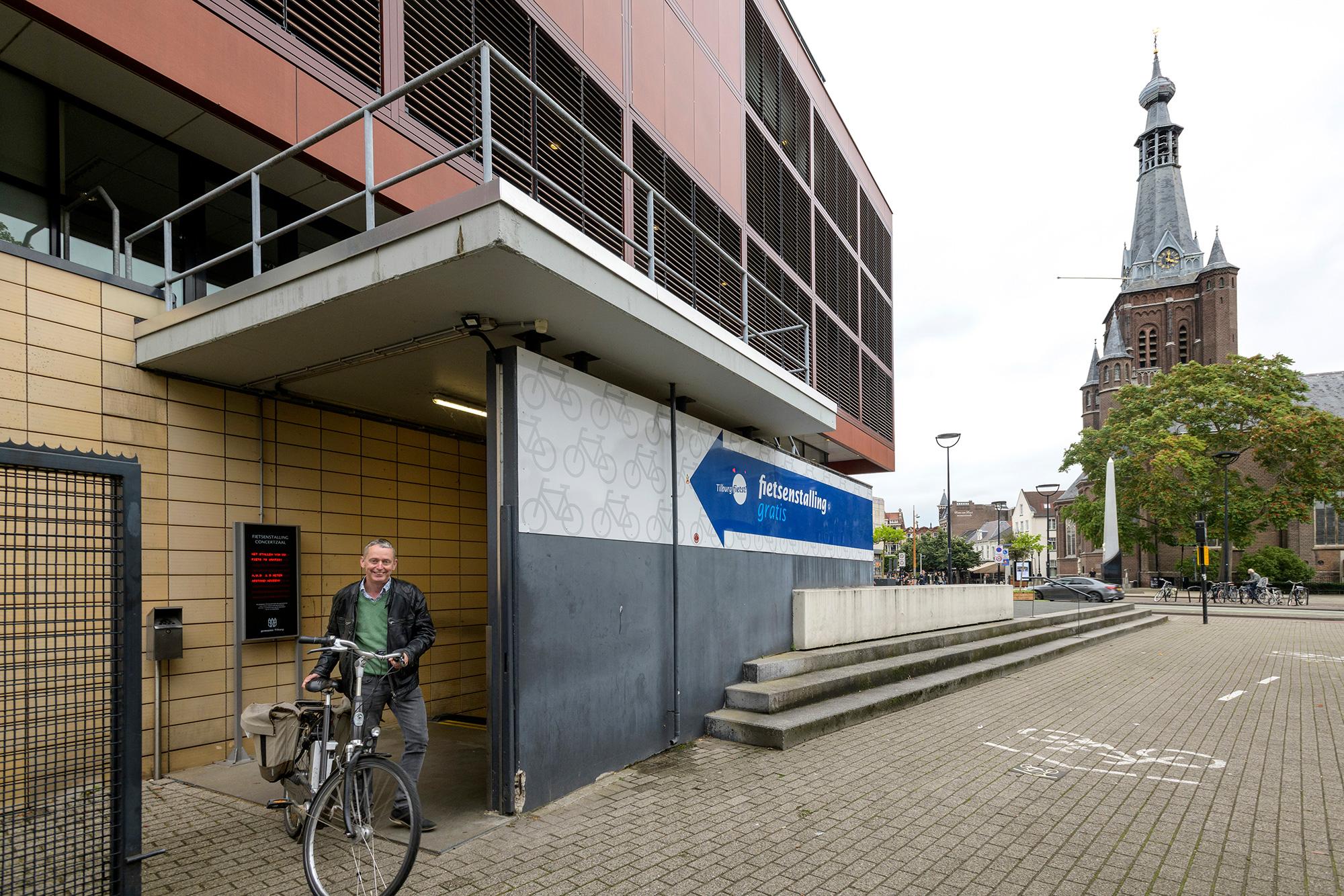 Stallingen Pieter Vreedeplein en Concertzaal langer open